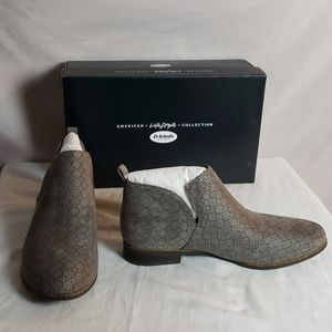 NEW Dr Scholl's Rate Perforated Bootie